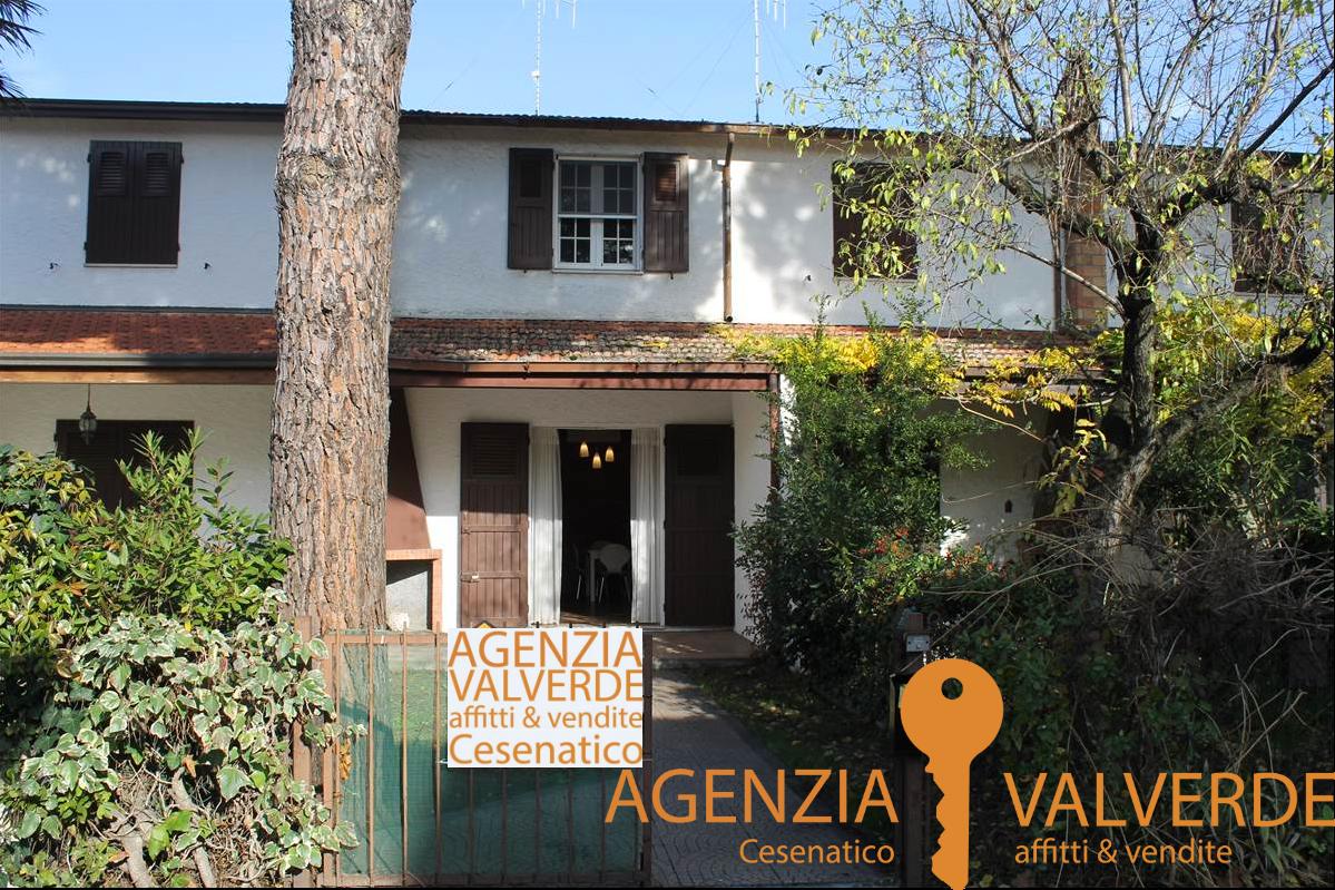 Villetta aschiera su 2 livelli a Valverde di Cesenatico